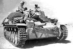 This self propelled artillery howitzer used an extended Panzer II tank chassis and served with the Deutsch Afrika Korps in most operations from 1942 onwards Mg 34, Bison, Afrika Corps, Self Propelled Artillery, North African Campaign, Panzer Iii, Italian Army, Soviet Army, Man Of War
