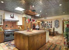 Modern Rustic Decor, Rustic Kitchen Decor, Home Decor Kitchen, Decorating Kitchen, Modern Table, Tuscan Kitchen Design, Tuscan Kitchens, Kitchen Designs, Modern Kitchen Lighting