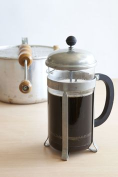 If you are in the Southern California area and love coffee, I highly recommend the Institute of Domestic Technology's Home Coffee Roasting class. Lots of fun