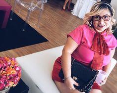 Bom dia segunda-feira sua linda que nossa semana seja abençoada.  . . #tbt #flowers #luxurylife #girlsjusthavefun #vidadeblogueira #instagood #like #look #lookbook #ladylike #instabeauty #instadaily #instagood #bomdia #instafashion #instagrammer #curvy #doll #curvygirl #curvydiva #fashionista #fashion #fashiongram #fashionstyle