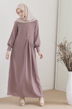 Abaya Fashion, Modest Fashion, Women's Fashion Dresses, Hijab Gown, Hijab Style Dress, Modest Dresses, Nice Dresses, Moslem Fashion, Mode Abaya