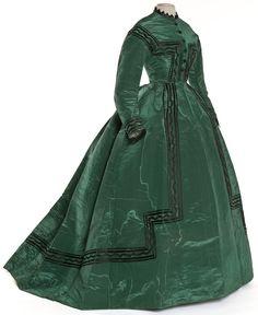 Les Arts Décoratifs - Site officiel - Diaporama - Robe en deux parties, Mme Landry, Paris, 1866-1868