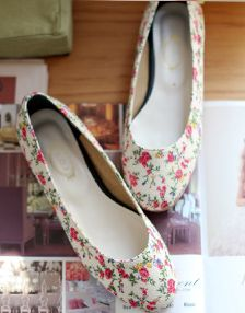 Floral Pattern Cloth Covered Flats from cherryspoonen.cafe24.com // $27.52