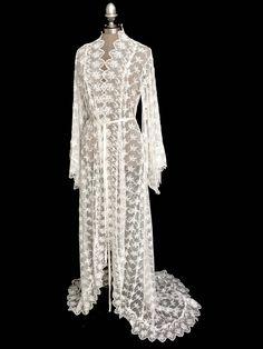 5aa151960f7 18 Best Bibiluxe bride kimono robes images