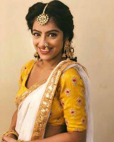 Indian Bridal Outfits, Indian Bridal Lehenga, Kajal Agarwal Saree, Marathi Saree, Deepika Singh, Nauvari Saree, India Beauty, Wedding Styles, Clothes For Women