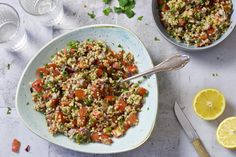 Tabouleh – ZELF MAKEN Lunch Restaurants, Couscous, Risotto, Lunches, Quinoa, Love Food, Salads, Curry, Favorite Recipes