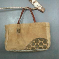 Très très grand grand CABAS artisanal toile de jute vintage (sacs à grains recyclés) idéal sac de plage ou panier de la boutique MADEinPERCHE sur Etsy