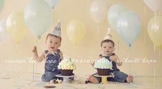 Planning a first birthday twin cake smash!