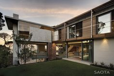 Home on Glen Avenue in Higgovale, Cape Town. By SAOTA (Stefan Antoni Olmesdahl Truen Architects), 2012.