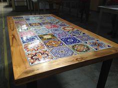 Tile Patio Table, Mosaic Outdoor Table, Tile Tables, Outdoor Tables, Kitchen Interior, Home Interior Design, Furniture Makeover, Furniture Decor, Baroque Decor