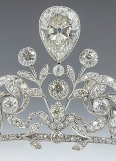 Detail of centre of the Lannoy family tiara made by Altenloh in Brussels.