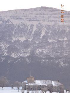 Aralar con Santuario de San Miguel, Beriain con la ermita de San Donato.