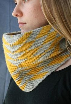 Arrows Cowl, double knitting $1.99