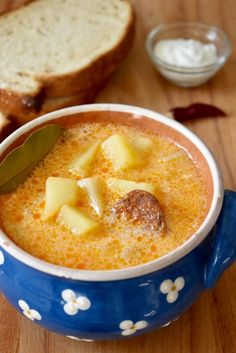 Hungarian potato soup - Krumplileves - - Learn to make Hungarian potato soup with sausage and sour cream, here is the recipe. It is an easy soup to make and its flavor is unique. Hungarian Sausage Recipe, Hungarian Recipes, Hungarian Food, Goulash Soup Recipes, Chowder Recipes, Sausage Potato Soup, German Potato Soup, Easy Soups To Make, Hungarian Mushroom Soup