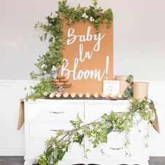23 Imaginative Baby Shower Themes for Baby Girls Baby Shower Simple, Baby Shower Boho, Fancy Baby Shower, Shower Bebe, Gender Neutral Baby Shower, Baby Shower Parties, Classy Baby Shower, Shower Party, Baby Shower Ideas For Girls Themes