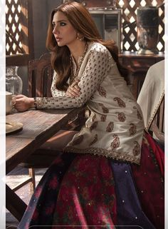 Asian Wedding Dress, Indian Wedding Outfits, Bridal Outfits, Indian Outfits, Wedding Attire, Pakistani Formal Dresses, Pakistani Dress Design, Pakistani Outfits, Nice Dresses