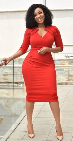 Office fashion dress - - Serwaa Amihere looking gorgeous in this beautiful office dress Source by Source by LiaWomenFashion Office Dresses Classy Work Outfits, Classy Dress, Chic Outfits, Dress Outfits, Casual Dresses, 30 Outfits, Sexy Dresses, Elegant Dresses, Formal Dresses