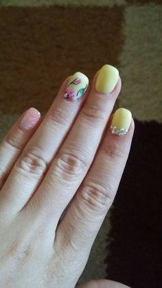Summer nail #yellow #nails #art #summer #ideas