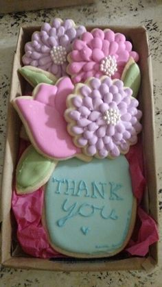 Thank you cookies for teacher appreciation Thank You Cookies, Mother's Day Cookies, Fancy Cookies, Iced Cookies, Easter Cookies, Cookies Et Biscuits, Holiday Cookies, Summer Cookies, Heart Cookies