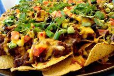 Aprende a preparar estos deliciosos nachos con carne uummm  #Nachos #NachosConCarne #RecetaNachos #RecetasMexicanas #RecetasFaciles #Tapas #Entrantes