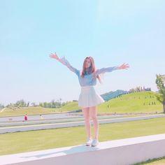 3 In One, One Pic, Cute Korean, Korean Girl, Japanese Girl Group, Aesthetic Gif, Fandom, Wattpad, Soyeon