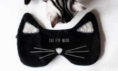 Pin for Later: 28 DIY Gifts For the Cat-Lovers in Your Life Cat Eye Mask Holidays mean a lot of traveling and not enough sleep on planes. Make this supersoft black eye mask  for someone who loves to fly who loves cats!