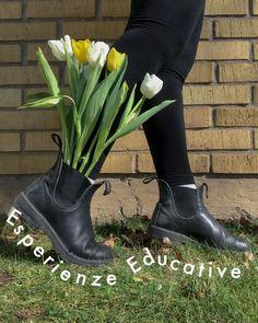 """Laura   Educatrice nido on Instagram: """"I 4 step per un'esperienza educativa di qualità. 1. L'esperienza si basa sui bisogni educativi di quel determinato gruppo di bambini, ergo…"""" Hunter Boots, Outdoor Activities, Rubber Rain Boots, Shoes, Instagram, Zapatos, Shoes Outlet, Shoe, Footwear"""