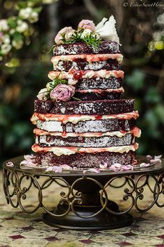 Red Velvet - Naked Cake (would do chocolate rather than red velvet, which is a bit dry)
