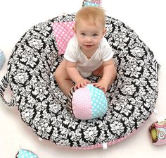 The new Pello baby mat for tummy time is a totally luxe, handmade pillow that grows with your baby.