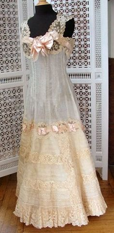 Antiques Victorian Tambour Cream Lace Baby Gown Beautiful In Colour