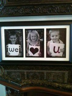 #DIY #foto voor #Moederdag! Geef een fotolijst cadeau met foto's waarop de kinderen een tekst vasthouden. (Bij één kind maak je 3 verschillende foto's, bij twee kinderen is het ook leuk om 1 foto van papa of opa of oma erbij te doen!) Succes!