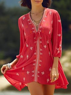SHARE & Get it FREE | Retro Embroidery Plunging Neck 3/4 Sleeve Dress - RedFor Fashion Lovers only:80,000+ Items • New Arrivals Daily Join Zaful: Get YOUR $50 NOW!