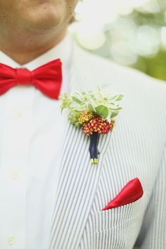 Red bow tie | J. Woodbery Photography | see more on: http://burnettsboards.com/2014/09/classic-southern-wedding-inspired-wind/
