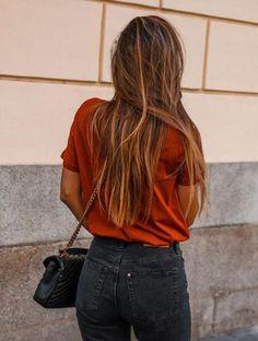 20 tendencias en #coloración que querrás probar en tu #cabello este 2018 Blonde blush #honeyrose, #strawaberryblonde o #blondeblush #blorange #opalhair Marie Claire, Grace Villarreal, Violet, Hair Beauty, Dreadlocks, Photo And Video, Instagram, Hair Styles, Outfits