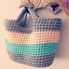Vamos a hacer que el lunes sea tan bonito como un viernes #handmade #DIY #cesto #sol #hmbcn #hmf2015 #fetamà #crocheting #bigganxet #trapillo #crochet #traphilo #puntobajo #instacrochet #tshirtyarn #manualidades #crochetxl #barcelona #crochetxxl #ganxet #basket #ganchilloxl #lunes #ganchilloxxl