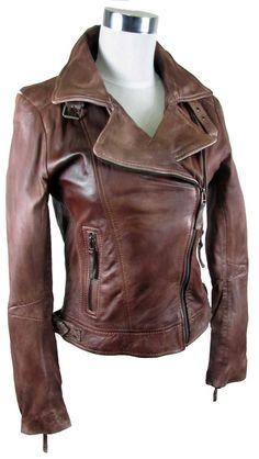 Damenlederjacke im ausgefallenem Stil im Bikerstil   159,95 €   Erhältlich auf Marken-Lederjacken.de