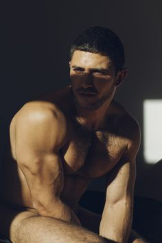 EXCLUSIVE A DAY IN MY ROOM  with DATO FOLAND PHOTOGRAPHY BY EDUARDO JIMÉNEZ FOR SUMMER DIARY | MADRID, SPAIN Eduardo Jiménez is an art historian and male portrait photographer from Seville, Spain now...