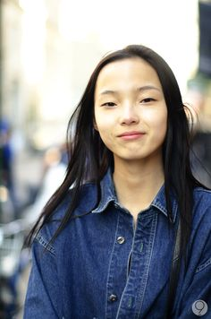 Xiao Wen Ju looks like she's 16. She has such a young and naturally beautiful face.