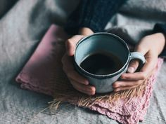 Drinking herbal tea can help you get better sleep — Metro Spearmint Tea, Anxiety Coping Skills, Blue Coffee Cups, New Moon Rituals, Coffee Tasting, How To Make Coffee, Slow Living, Feeling Overwhelmed, Falling Apart