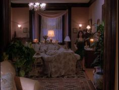1.01 Something Wicca This Way Comes - CHARMED101 0405 - DVD Screencaps | DVD Screencap Archive