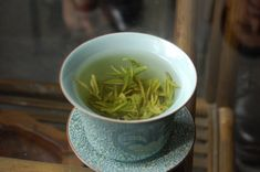 how to brew/steep loose leaf tea - includes time, amounts and temperatures, as well as some good tips