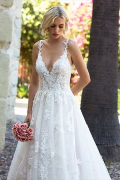 FLOR is a romantics dream come true. From the detailed lace down to its whimsical skirt, it all comes together for an unforgettable bridal look. #weddingideas #weddinggown #weddingtheme #bridetobe #bridalideas Dream Wedding Dresses, Wedding Gowns, Wedding Planning Inspiration, Romantic Lace, Dress Silhouette, Bridal Looks, How To Run Longer, Weddingideas, Whimsical