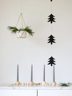 Make It: Scandinavian-Inspired Beaded Candle Holder Handmade Christmas Gifts, Christmas Crafts, Simple Christmas, Magic Tutorial, Beautiful Christmas Decorations, Holiday Decor, Advent Candles, Advent Calenders, Diy Gifts