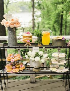 Read More: http://www.stylemepretty.com/living/2015/06/10/floral-and-honey-bee-inspired-shower/
