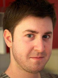Bastien Kerspern, créateur de la plateforme citoyenne Influents http://www.lecolededesign.com/fr/actualites/bdd/actualite/1657/titre/de-l-etudiant-designer-a-l-entrepreneur #entrepreneur