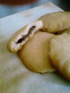 Deze koekenbakkerkoekjes met Nutella van Alexandra zijn uit 'nood geboren' omdat ze teveel deeg had gemaakt voor appeltaart en zich afvroeg wat ze met het deeg dat over was kon doen.