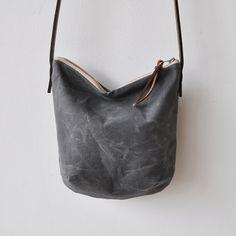 bookhou - waxed/charcoal day bag