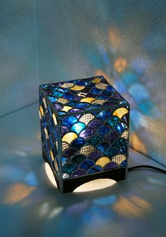 Mosaic Art, Mosaic Glass, Glass Art, Craft From Waste Material, Geometric Lamp, Stained Glass Light, Halogen Lamp, Tiffany Lamps, Stained Glass Projects