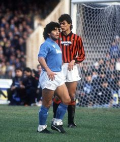 Diego Maradona v Paolo Maldini - Napoli v AC Milan special-football-players-teams-moments Football Drills, Football Icon, Best Football Players, Football Is Life, Retro Football, World Football, Soccer World, Vintage Football, Sport Football