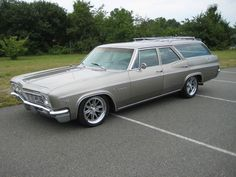 1966 Chevrolet Impala Wagon- Had this one in Blue Impala SS. You could load your… 1966 Chevrolet Impala Wagon- Had this one in Blue Impala SS. You could load your whole house in the back and still have room for the dog. 1966 Chevy Impala, Chevrolet Chevelle, 66 Impala, Chevy Classic, Classic Cars, Firebird, Bel Air, Station Wagon Cars, Sports Wagon